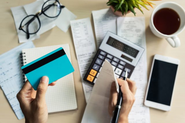 カードローン増額で金利が低くなる? 金利の計算方法と限度額を引き上げるポイント