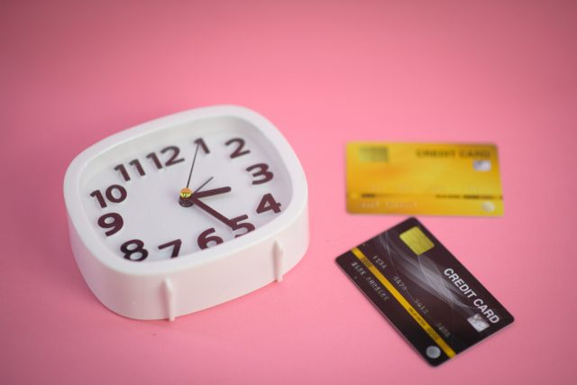 アイフルの営業時間は?借り入れ方法ごとに利用できる時間と注意点を解説