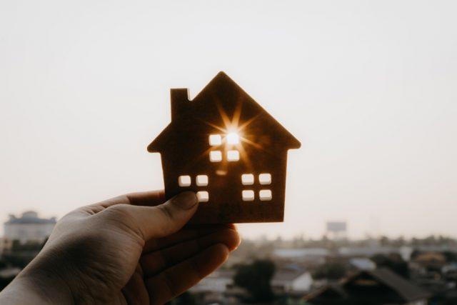 先が見えにくい時代だからこそ住宅ローンは固定金利?変動金利?