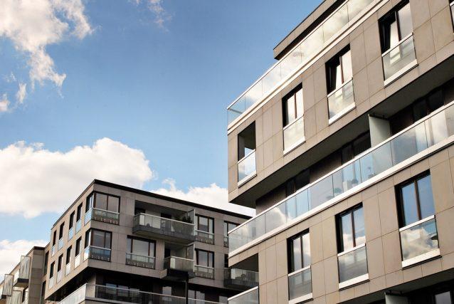 住宅ローンを見直す目的「借り換え」以外で金利を下げる方法とは?