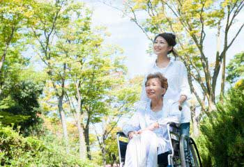 親の介護で離職しないために!2017年介護休業法の改正ポイント