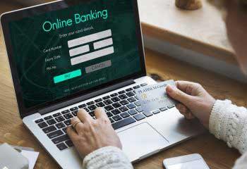 大手銀行が店舗数を見直し。時代はネットバンキングへ