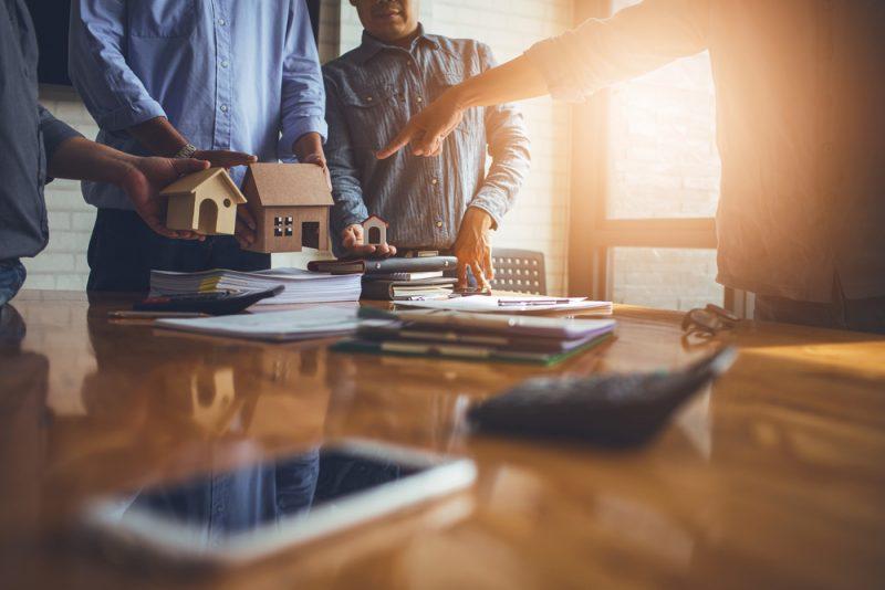 手遅れになる前に!住宅ローンの借り換えを検討する5つのタイミングとは?