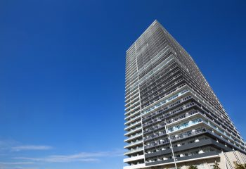 タワーマンションの固定資産税 1階と30階の差額はいくら?