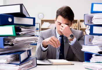 残業代の未払い、仕事を辞めずに請求することはできるのか