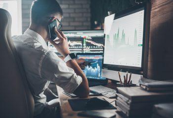 PERとPBRってなに?株式投資を始める前に最低限、知っておきたい判断指標を詳しく解説。