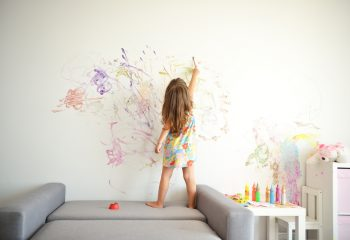 小さい子供を持つ親御さんのリアルな悩み!? 子供がいても働けるように疑問をなくす方法