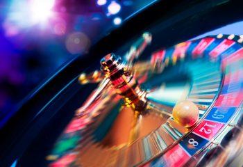 友達との賭け事 遊びのつもりがいつの間にか犯罪に?賭けた金額によって違法・合法ってあるの?