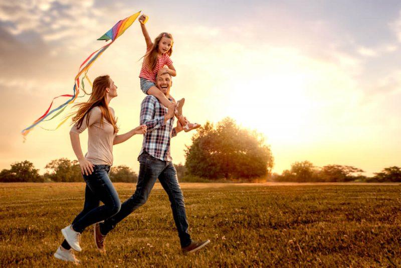 超高齢化社会の課題!「幸せ」と「景気回復」を叶える切り札とは?