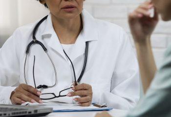 なぜ、医療保険とは別にがん保険に入るの?医療保険でカバーできないの?