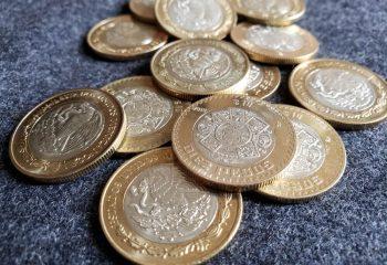 資産運用で金への投資は必要か?金をまた買い始めた一部の中央銀行の目的とは?
