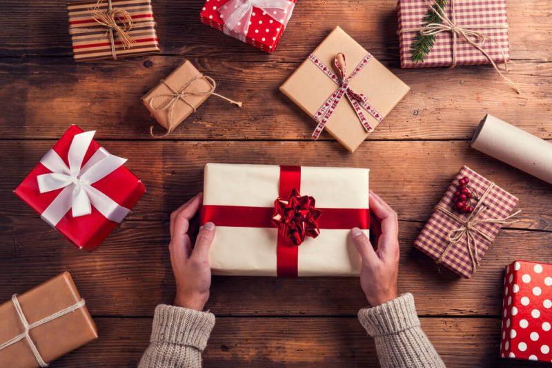 クリスマスデートやプレゼントに悩む男性必見!?女性が思う理想のクリスマスデートや期待しているプレゼントの予算をチェック!