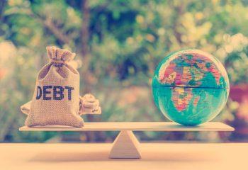 友達が「国債は最も安全な金融商品だよ!」本当? デメリットも知っておこう