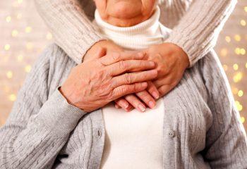 親の介護が負担にならないために!介護をするために取れる休みは2種類。