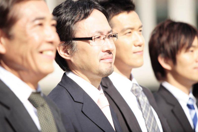 サラリーマンが個人で会社を買う!独立・起業に興味のある人の7割以上が「興味あり」