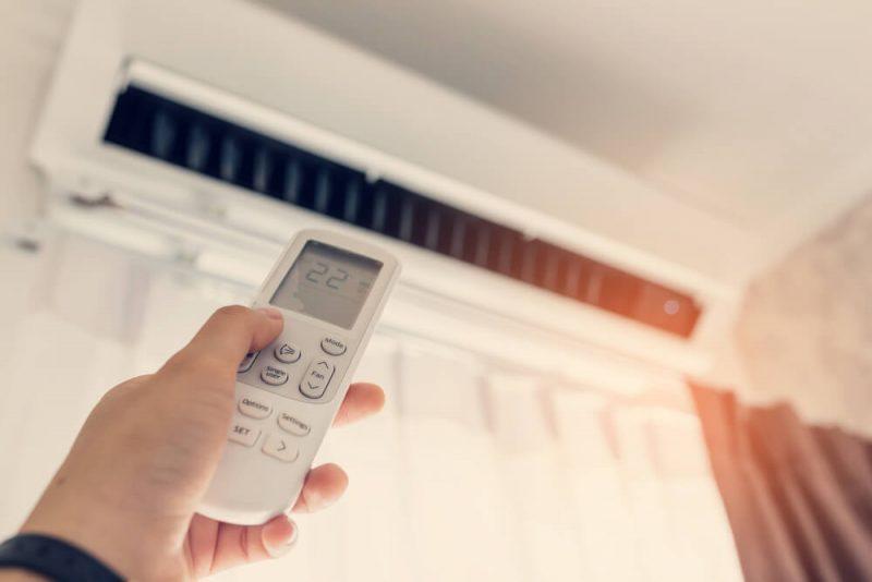 エアコンを賢く使って節約生活!寒い日は省エネあったか生活を。