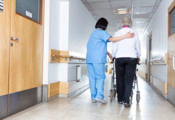 「病気やけがなどにより収入が途絶えてしまった」 介護保険の仕組みについて解説!