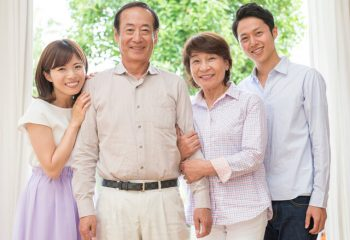 最近よく聞く生命保険の「家族登録制度」って? 指定代理請求制度との違いは?