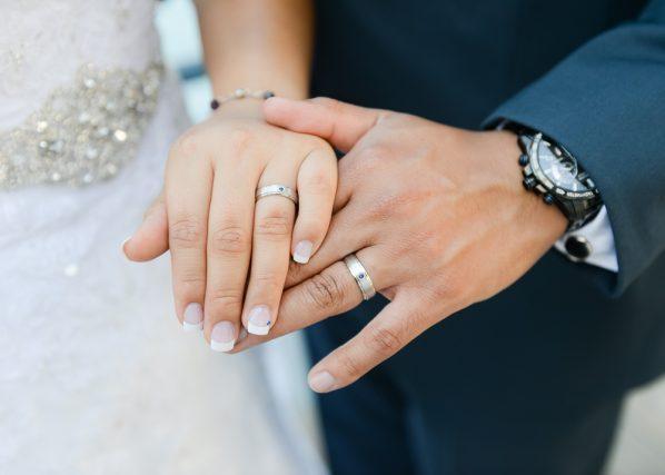幸せのための準備金!結婚式にはいくら貯金が必要? 結婚にかかるお金事情