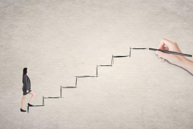副業をしている人の平均副業月収っていくら?