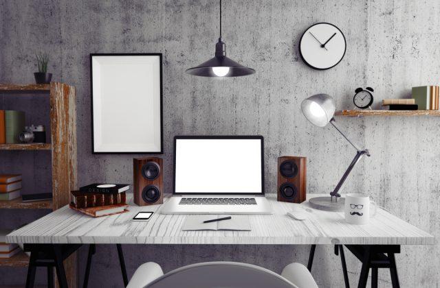 学習机は必須? 学習机の相場とトレンドをチェック