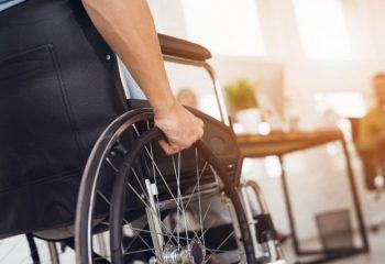 友達が「障害年金は、がんやうつも対象だよ」これって本当?嘘?