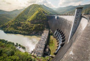 身の回りにある小さな発電所 水力発電で地域おこし