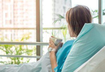 病気で入院したら、いくらかかる?傷病別の入院医療費を男女別に調べてみた