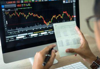 銀行に預けても増えない・・一般投資家がすぐにできる低リスク投資とは?