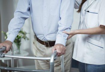 今年で40歳、介護保険料の徴収が始まるけど、いつから保険料が引かれるの?