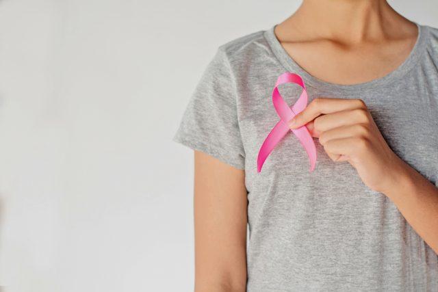 女性に多い乳がんの治療費について、いざという時のために知っておこう!
