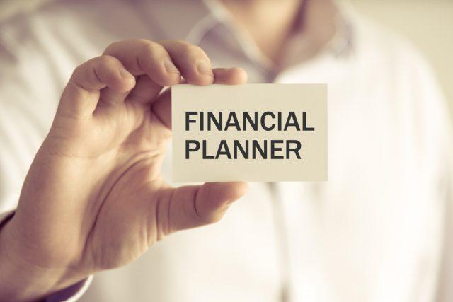 主婦や学生に人気の「FP資格」お金に詳しくなって得られるもの