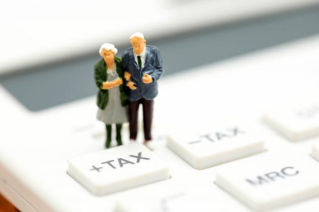 死亡保険金に相続税がかかる場合って?生命保険でどこまで非課税になるの?