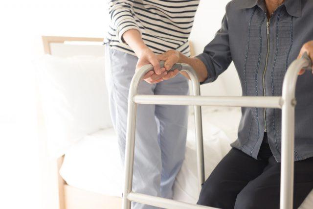 公的介護保険で受けられるサービスってどんなもの?条件は?手続きはどうする?