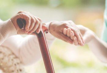 97才の父を自宅で介護。体験者が教える、いざという時に役立つ介護保険の知識
