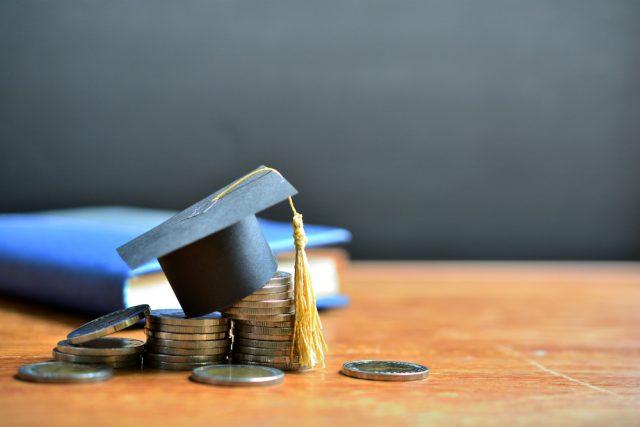 2020年の入学者から変わる奨学金制度。借りすぎには注意して!
