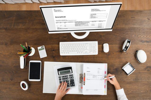 消費増税で請求書はどう変わる!?  区分記載請求書とインボイス方式の導入について