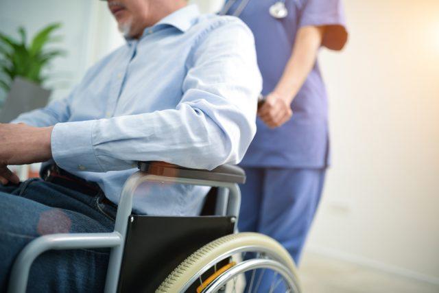「老後が不安だから、民間の介護保険に入る」その前に知っておきたいこと