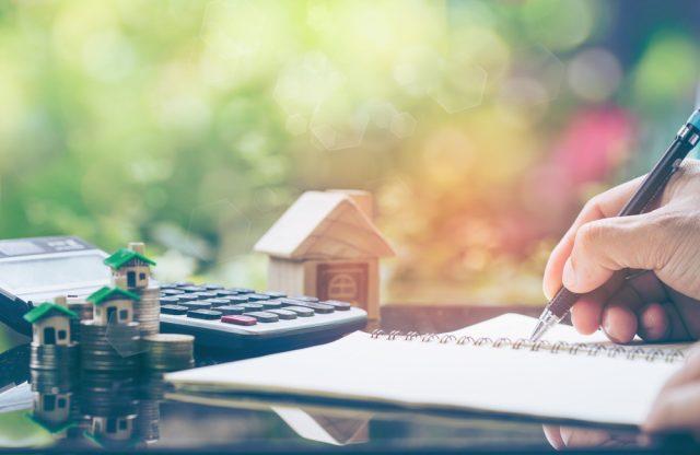 住宅ローンの返済が苦しくなってきた……負担を少しでも軽くする方法は?