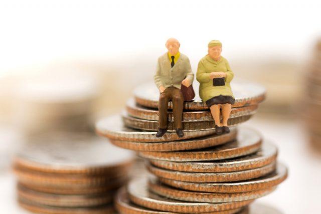 高齢者の金融資産。個人の金額は減少傾向が続きそう