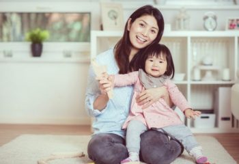 子育て世帯は知らなきゃ損。食事から住宅ローンにまで使える「子育てパスポート」って?