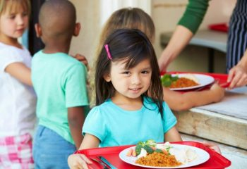 貧困世帯の子どもの食事難、子ども食堂以外にも支援策が。家庭の「食品ロス」を活用する方法って?