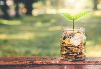 投資に興味はあるけれど…投資経験者は何歳からどんな投資をしているの?