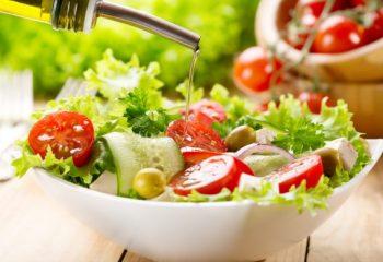 実は醤油より出費が多い「ドレッシング」人気の種類は?サラダにかける以外の使い方も