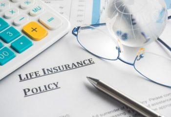 【FP監修】「貯蓄型の生命保険は損」って本当? 掛け捨て型の生命保険に入った方が良いの?