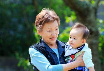 フィンテックに取り残される高齢者たち。老後にぶつかる2000万円以外の問題とは?