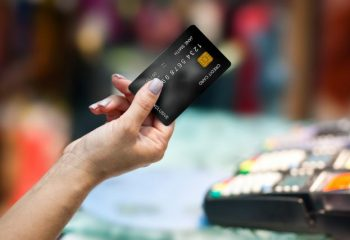 ステータスの高い「クレジットカード」の魅力とは?