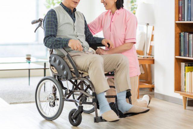 有料老人ホームへの支払い 「月払い方式」と「入居一時金方式」