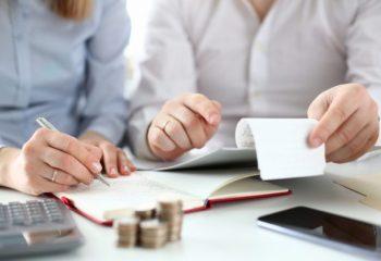 2年目からの住宅ローン控除は年末調整で申請できる。申告方法と必要書類をおさらい