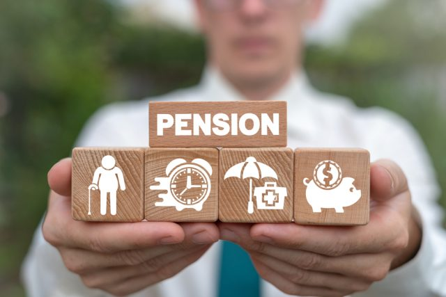 65歳以降も働く場合、ある程度給与があっても年金は全額受けられる?在職老齢年金制度をおさらい